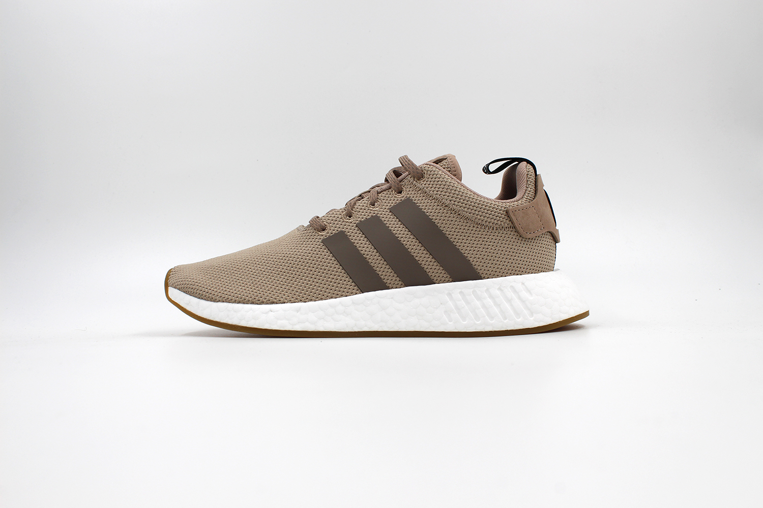 adidas nmd r2 beige by9916 sapato sneakerstore. Black Bedroom Furniture Sets. Home Design Ideas